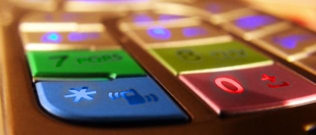 Teléfono móvil con teclado multicolor. Sobre nosotros.